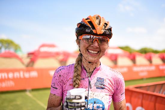 Tagessieg und nun einen satten Vorsprung in der Gesamtwertung: Die Deutsche Cemile Trommer konnte mit ihrer Partnerin heute fast 20 Minuten auf die Konkurrenz herausfahren