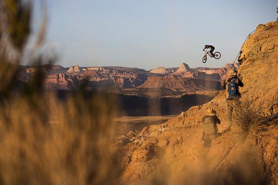 Tyler McCaul droppt inmitten wunderbarer Landschaft: Der Kalifornier ist mitterweile ein Rampage-Urgestein