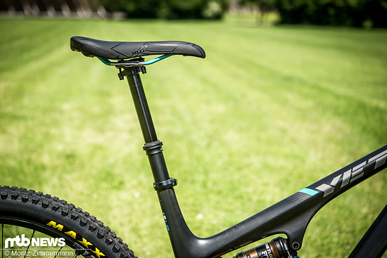 Die Funktion der Fox Transfer Performance-Sattelstütze ist zwar über jeden Zweifel erhaben, trotzdem findet man sie aufgrund des hohen Gewichts gewöhnlich nicht an XC-Bikes.