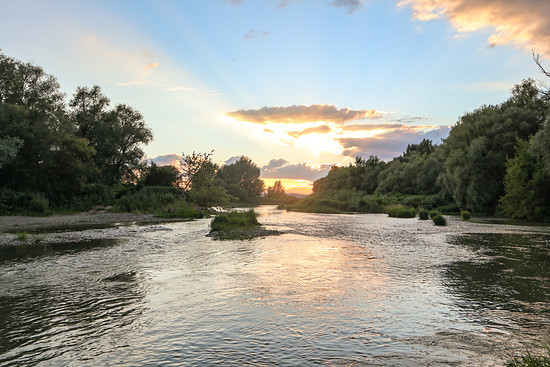 Abendstimmung beim Flussdurchqueren