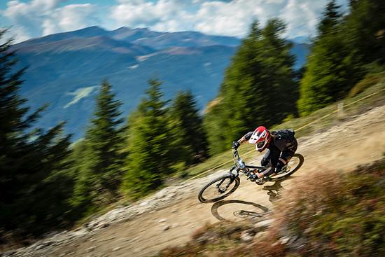 Das Finale der Alpine Enduro Series findet Mitte September am Kronplatz statt, wo abwechslungsreiche Trails und viele Tiefenmeter auf die Enduro-Piloten warten.