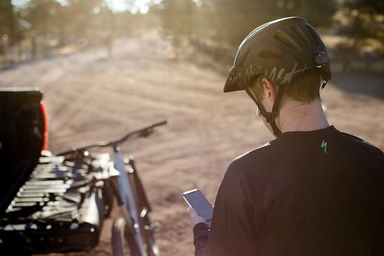 Auch für Fahrten im Hinterland, ohne Handy-Netz bietet Specialized ANGi eine Lösung