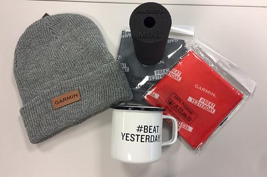Das Garmin Goodie-Paket samt Blackroll Mini