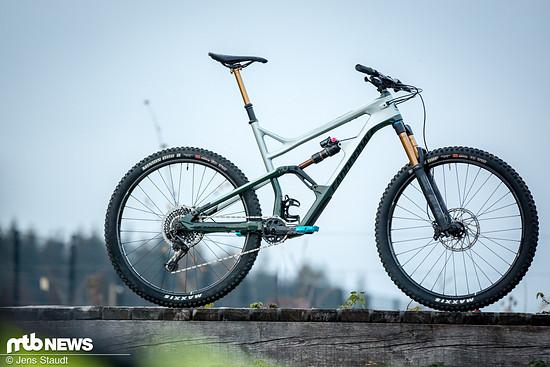 """29""""-Laufräder und 150 mm Federweg an Front und dazu ein Carbon-Rahmen mit modernisierter Geometrie"""