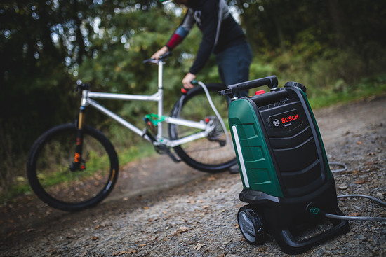 Kompakt, robust und das kraftvollste Gerät, das wir bislang getestet haben: Der Bosch Fontus kann überzeugen. Der Preis ist allerdings happig.