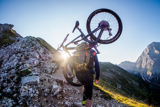 Südtirol bietet grandiose Aussichten während des Aufstiegs