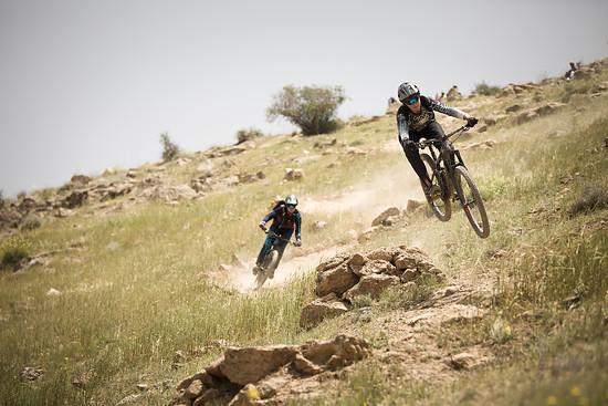 Die Gehrig-Zwillinge haben den für den Westen noch sehr abgeschotteten Iran auf ihren Mountainbikes erkundet