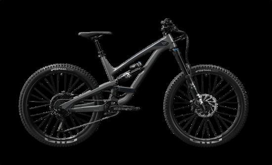 """Das YT Capra AL Comp wechselt für einen Preis von 2.999 € den Besitzer. Je nach Laufradgröße wiegt das schicke Bike 14,5 kg (29"""") oder 14,2 kg (27,5"""")."""