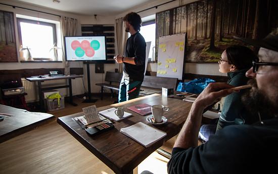 Kai Siebdrath von Velosolutions informierte zu den Eckpfeilern nachhaltigen Trailbaus …