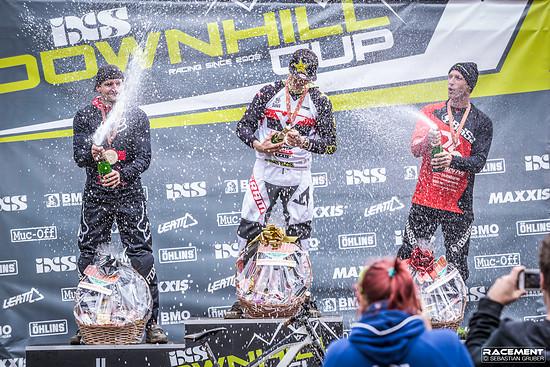 2018 konnte Erik zwei Siege beim iXS Downhill Cup einfahren