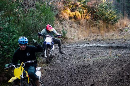 Die TTR Bikes der Jungs sind eigentlich nur kleine 125ccm Mopeds für Jugendliche.