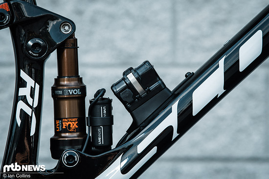Das Fox Live Valve-Fahrwerk denkt bis zu 1000-mal in der Sekunde mit und soll so die Effizienz von gefederten Mountainbikes deutlich steigern.