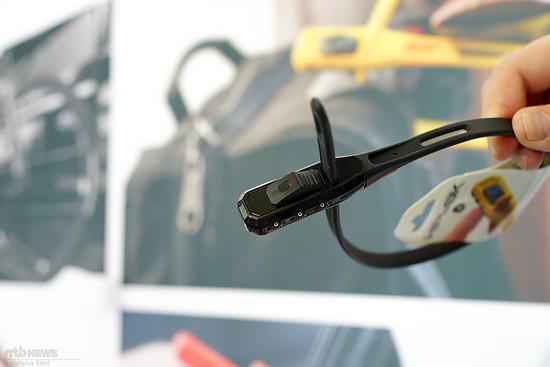 Hiplok war vor Ort und zeigte die Kabelbinder mit Stahlkern und Zahlenschloss