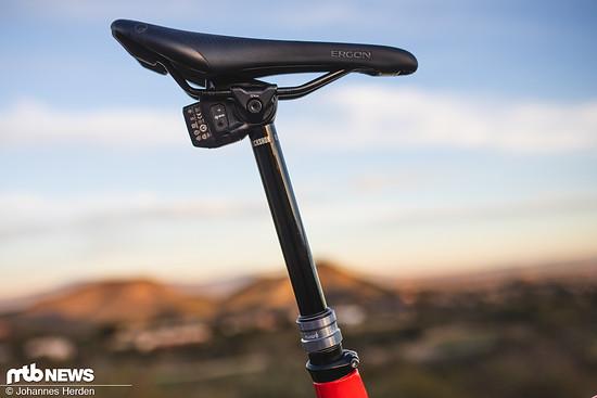 Die neue RockShox Reverb AXS kommt in vier Hubvarianten, drei Durchmessern und zum stolzen Preis von 800 €  (UVP). Hier findet ihr alle Infos zu SRAMs funkgesteuerter Variostütze!