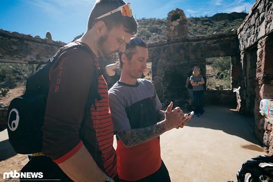 Wir klären die App-Geschichte kurz in der Pause während der Tour – für alle Leute, die schon mal ein Smartphone in der Hand hatten, ist die Bedienung der App kein Hexenwerk und leicht nachzuvollziehen