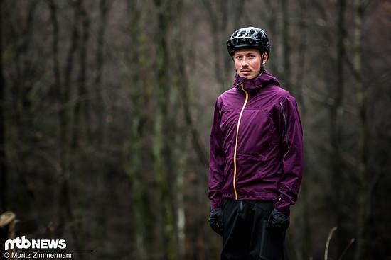 Die ION Scrub Amp-Jacke kann nicht nur mit einem hohen Tragekomfort, sondern auch mit einer ausgezeichneten Funktion auftrumpfen