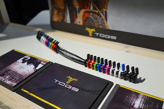Es sind viele verschiedene Farben bei Togs verfügbar.