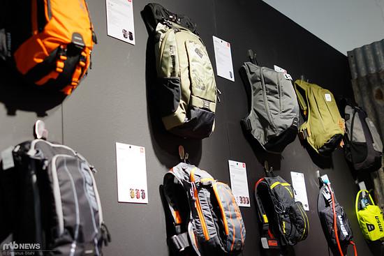 Viele verschiedene Größen und Taschenpositionen