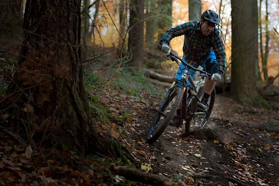 """""""Bei Sprüngen und Kurvenwechseln kann das Bike seinen hohen Spieltrieb ausleben."""" – Chris Spath"""