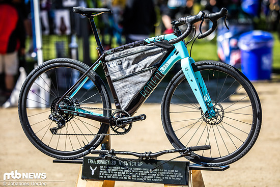 Das Rodeo Labs Traildonkey 30 ist noch vor dem großen Gravelbike-Hype entstanden – 2014 dachten sich die Rodeo-Chefs, dass ein Rad zwischen Rennrad und Mountainbike eine ziemlich coole Sache wäre
