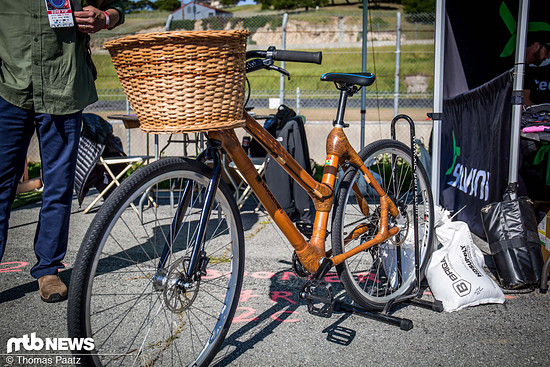 boomers Bamboo bike-1