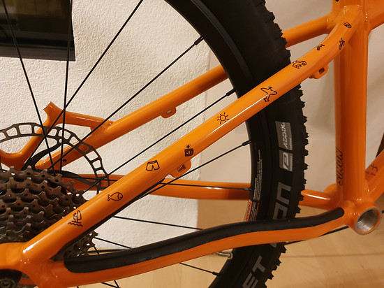 "MWORKS - Custom 24"" Kinderbike, 8,3kg - Piktogramme am Hinterbau"