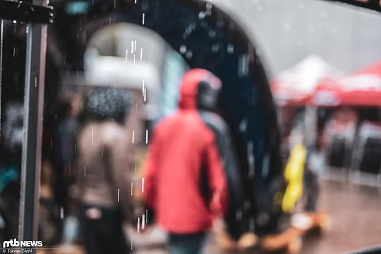 ... doch insgesamt konnte das durchwachsene Wetter die Besucherinnen und Besucher nicht schrecken