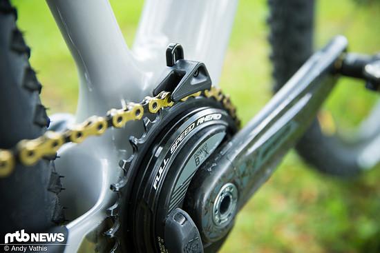 Eine Kettenführung lässt sich auch an Degns Bike finden.