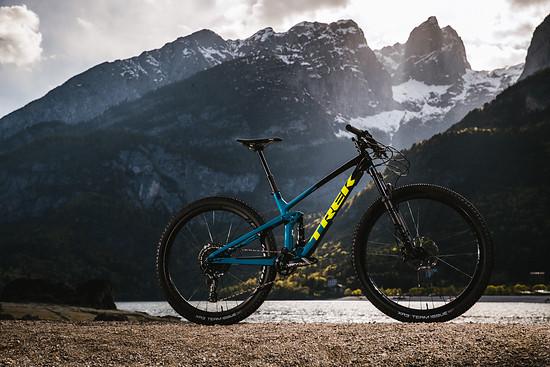 Das Trek Top Fuel wurde gründlich überarbeitet und soll nun mit einem breiterem Einsatzbereich und besseren Downhill-Qualitäten auftrumpfen.