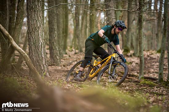 Auf flachen Trails liegt das Heck des Ghosts sehr satt und das Bike lässt sich präzise durch Kurven zirkeln.