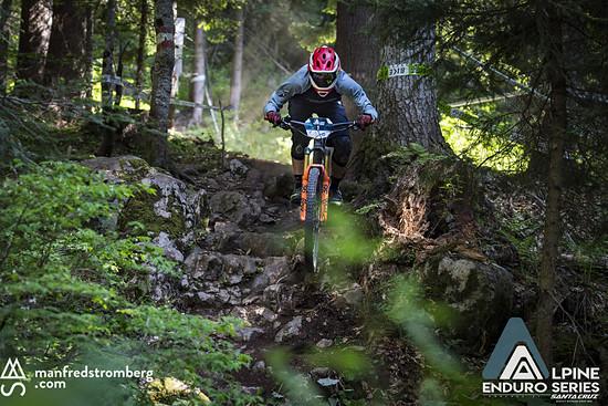 Steile Stufen gab es häufiger beim Enduro Race Dolomiti Paganella