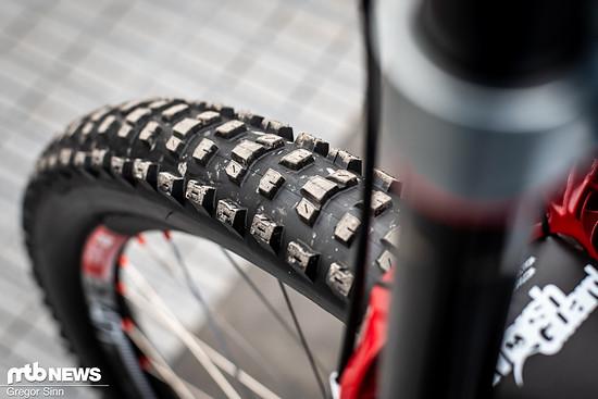 Diesen Reifen konnte man erstmals in Leogang am Rad von Troy Brosnan bestaunen