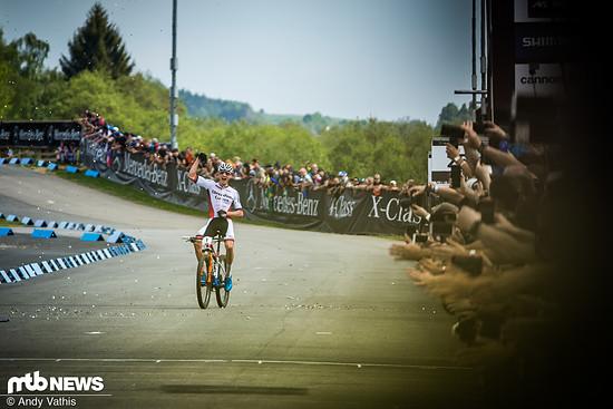 Mathieu van der Poel kehrt zurück in den Weltcup und gilt einmal mehr als großer Favorit - sowohl für das Short Track- als auch das Cross-Country-Rennen