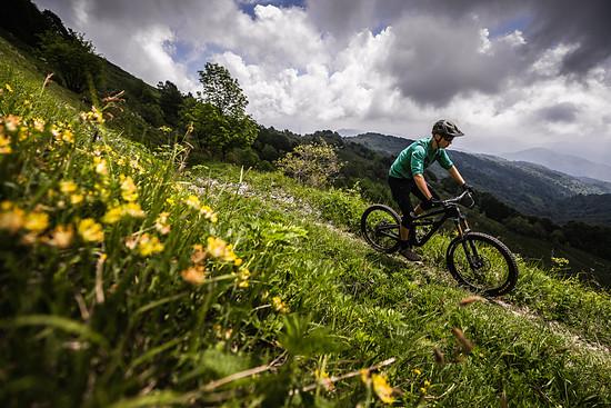 Bergauf konnte uns das Yeti SB165 durchaus überraschen, das neue Bike klettert äußerst effizient und zügig den Berg hinauf.