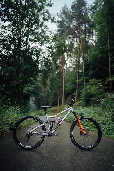 RAAW Mountain Bikes