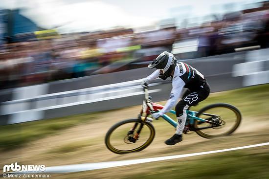 Laurie Greenland ist mit dem neuen Mavic Deemax DH-Laufradsatz in Les Gets auf Platz 3 gerast.