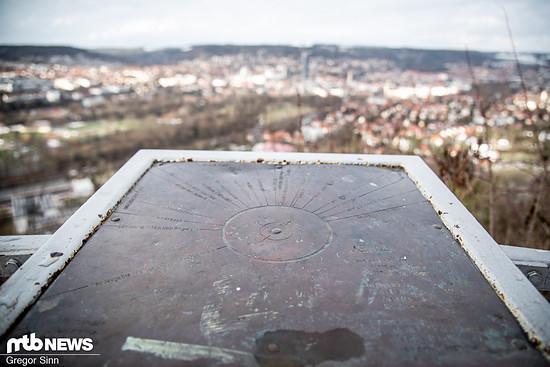 Wanderwege wie die Horizontale bieten eine schöne Aussicht über die Stadt.
