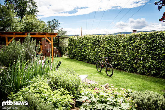 Im Hoffmann'schen Garten hingegen wurden die Ost-Memorabilia gegen modernste Downhill-Geräte eingetauscht.