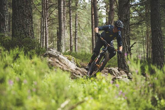 Das lebhafte und spritzige Fahrverhalten des Hope HB.130 macht das Trailbike zu einem echten Spaßgaranten auf jedem Trail.