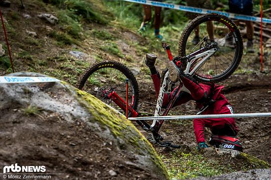 Sam Blenkinsop sollte das mit dem Radfahren vielleicht nochmal üben!