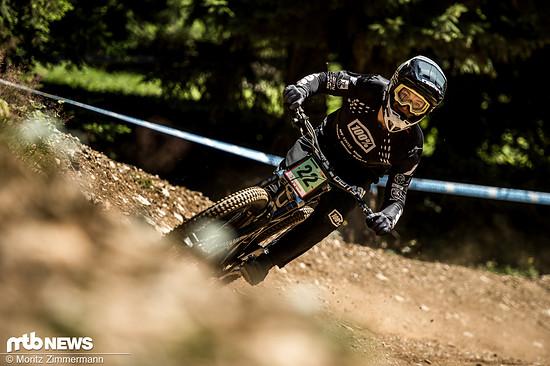 Janosch Klaus liegt bei seinem Heim-Weltcup in Schlagdistanz zum Podium.