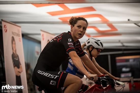 Anne Terpstra bereitet sich vor für das letzte Weltcuprennen auf europäischem Boden in dieser Saison