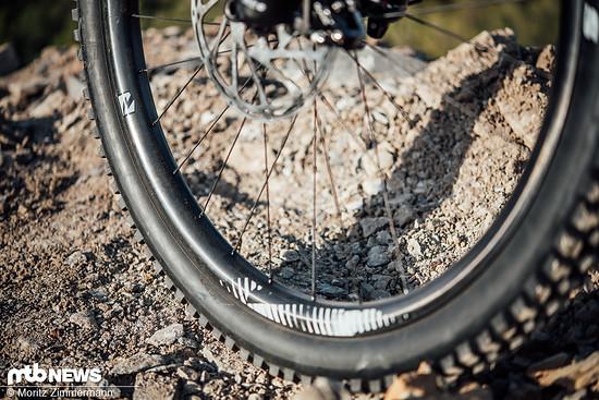 Kleine Räder, steife Carbon-Felgen und dünne Reifen ergeben meist ein sehr sprintstarkes Bike