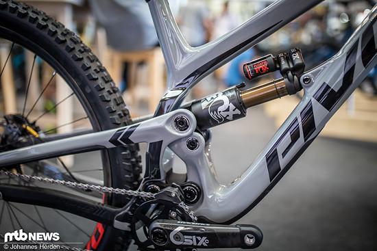 Durch den kleineren oberen Link sollen auch Stahlfederdämpfer in das Bike passen