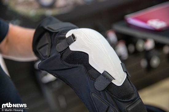 Die Hartplastik-Schale lässt sich bei Bedarf anheften.