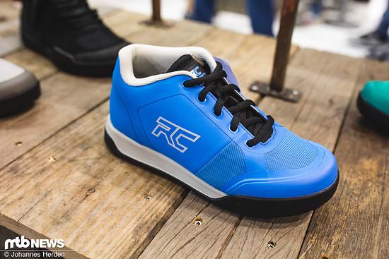 Der Ride Concept Skyline ist die Womens Edition des Powerline Schuhs, bietet hohen Schutz und eine sehr weiche Rubber Kinetics 4 Sohle und ist sowohl in blau ...