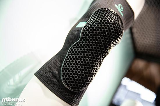 Die neuen Amplifi MKX-Knieschoner sollen mit einem hohen Fahrkomfort begeistern