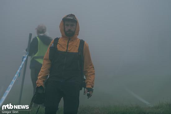Während ein Teil der MTB-News-Crew (völlig zurecht!) äußerst erbost war, sich am frühen Morgen an die Strecke zu quälen, um dann in der Nebelsuppe festzuhängen …