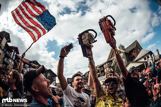 Rechtzeitig zur Podiums-Zeremonie in der Innenstadt waren die meisten Feierwütigen dann allerdings da.