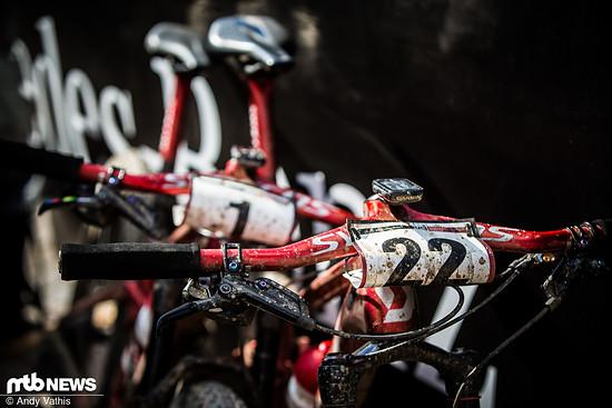 Die Scott-Bikes stehen bereit für die Siegerehrung